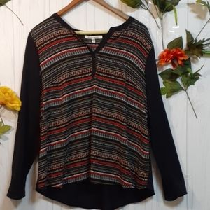 🌸4/$10 Black top with geometric pattern stripes